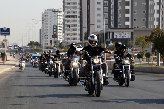 Motosiklet sürücüsü