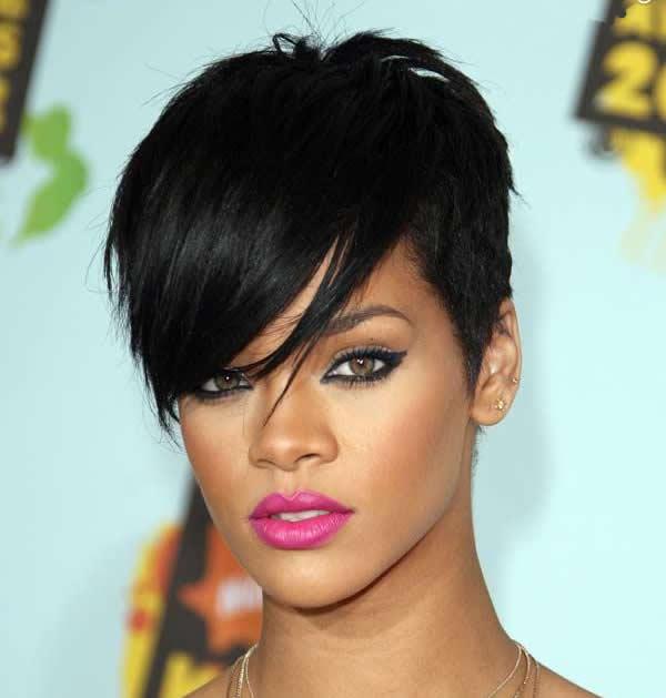 Rihanna siyah kısa saç modeli