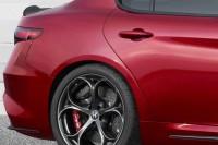 Yeni Alfa Romeo Giulia spor jant ve kapı kolu detay fotoğrafı